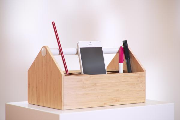 Wooden organizer with a handle