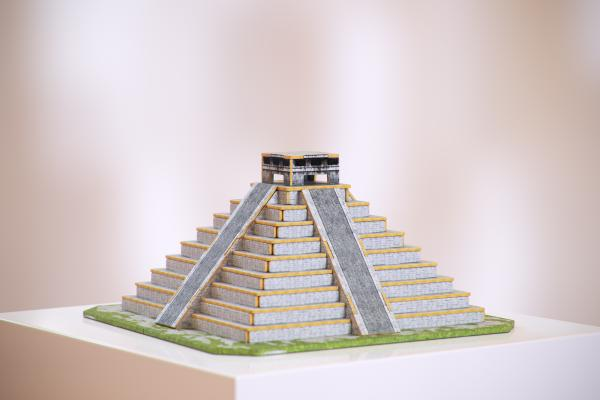 Model of the Aztec pyramid